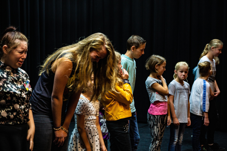 dansles, toneelles, zangles, musicalles, beeldende kunstles volg je bij Pitboel Art School. artschool.pitboel.nl
